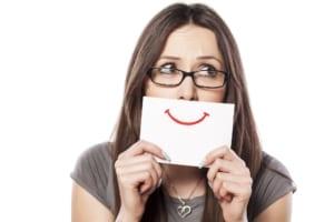 How porcelain veneers in Denver can help straighten a crooked smile